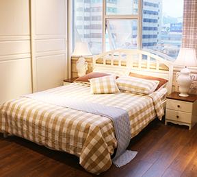 卧室木质双人百搭大床
